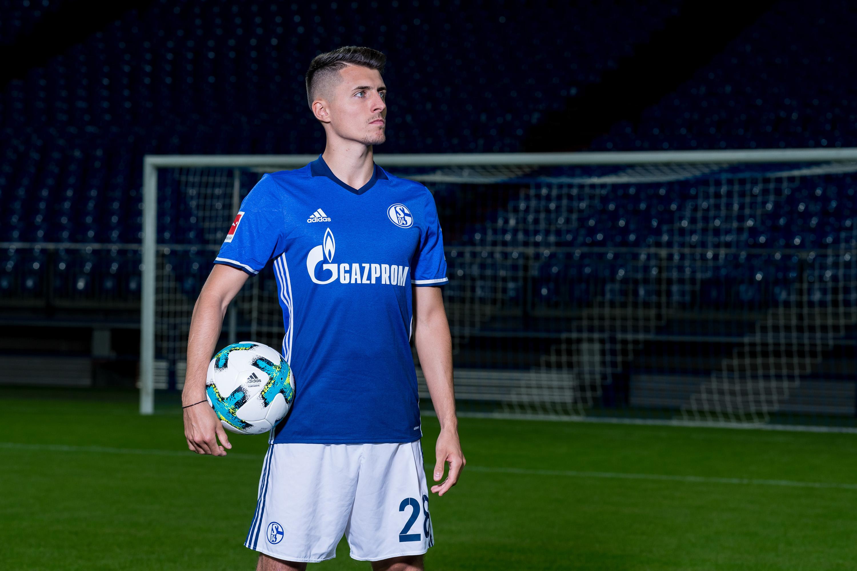 FC Schalke 04 Fußballspieler bei einem Werbefotoshooting für die Volksbank, durchgeführt von der Werbeagentur Medien Formen Werte aus Münster