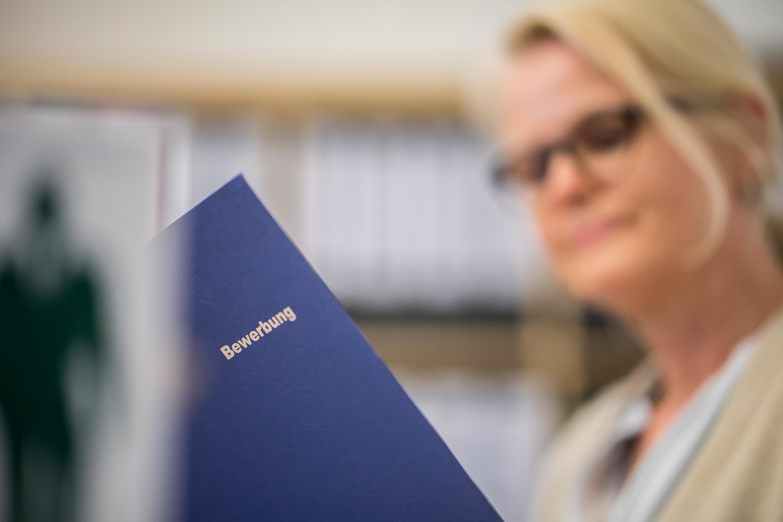 Bewerbungsmappe an die RVG bei einem Werbefotoshooting durchgeführt von der Werbeagentur Medien Formen Werte aus Münster