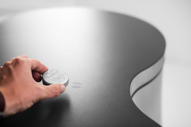 Werbefotoshooting für Produkte von Conmoto durchgeführt von der Werbeagentur Medienformenwerte aus Münster
